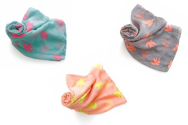 En varios colores, con pajaritos (Top 3, $80).