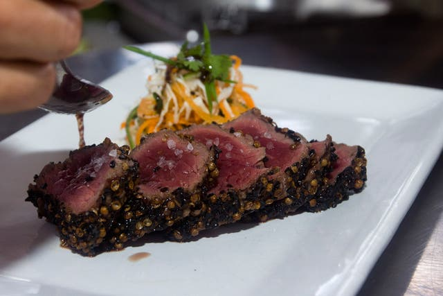 Beef sashimi, en Pez Negro