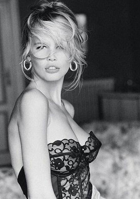 Claudia Schiffer, a los 19, en la publicidad que la lanzó a la fama.