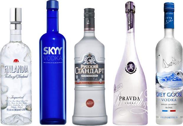 Es la bebida nacional rusa y uno de los destilados más consumidos del mundo, y por su carácter suave y neutro es un ingrediente muy popular en los cócteles. Aquí, cinco vodkas importados que vale la pena conocer.