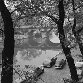 Una imagen de la capital francesa, en el distante 1961