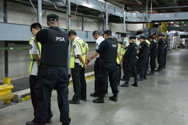 Los empleados de una empresa de seguridad habían montado un red delictiva en Ezeiza