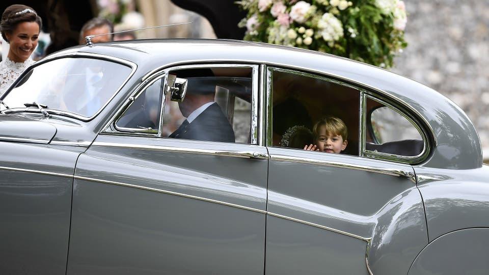 El príncipe Jorge, tercero en la línea de sucesión británica, ofició de paje. Foto: Reuters / Justin Tallis