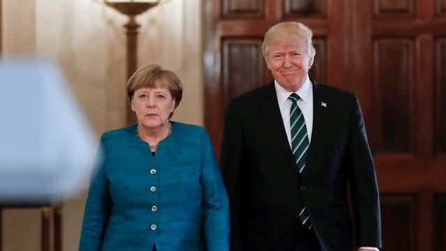 """Angela Merkel, de nuevo contra Trump: """"La construcción de muros no va a ayudar"""""""