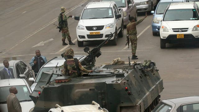 Los militares salieron a las calles
