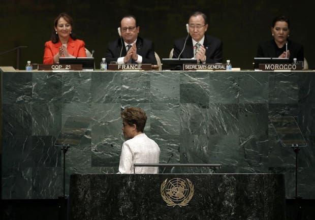 Dilma, ayer, en su doble propósito de abogar por el clima y por su continuidad como presidenta brasileña