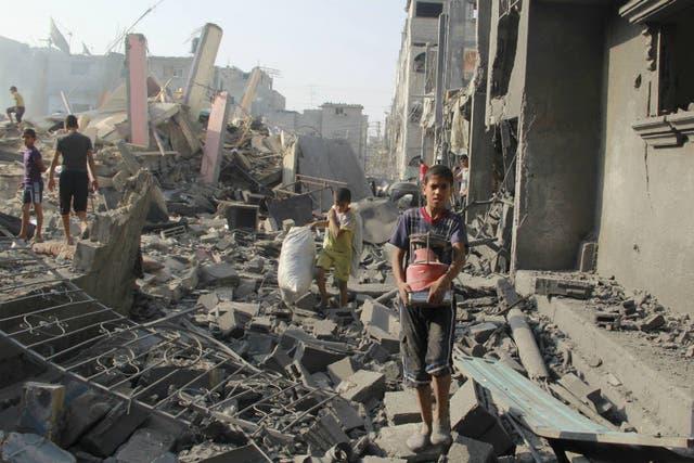 Después de tres semanas de bombardeos, Gaza luce como una ciudad en ruinas