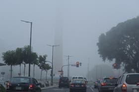 La niebla cubre la ciudad de Buenos Aires y sus alrededores