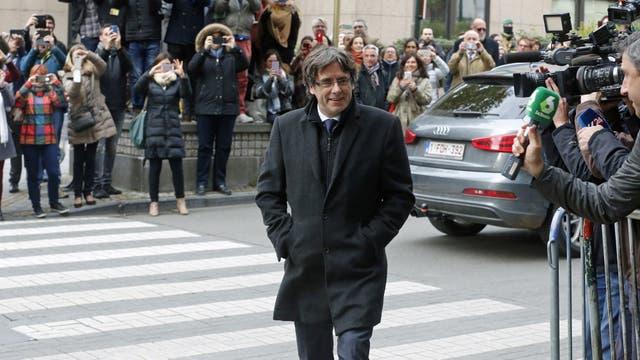 Crisis en Cataluña: Carles Puigdemont se entregó a la Policía