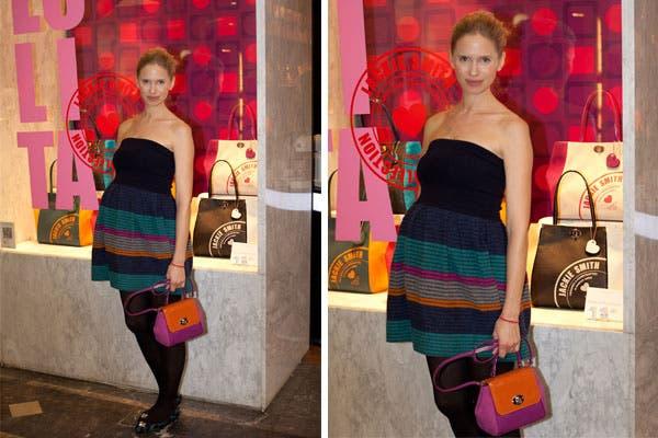 Carola Del Bianco pasó por el local de Jackie Smith en Unicenter y combinó una mini cartera con su vestidito strapless que marca su pancita. ¡Divina!. Foto: Mass PR