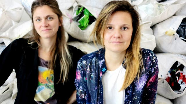 Paula Ckroüsottsi y Emiliana Carricondo, las diseñadoras detrás de Modesta