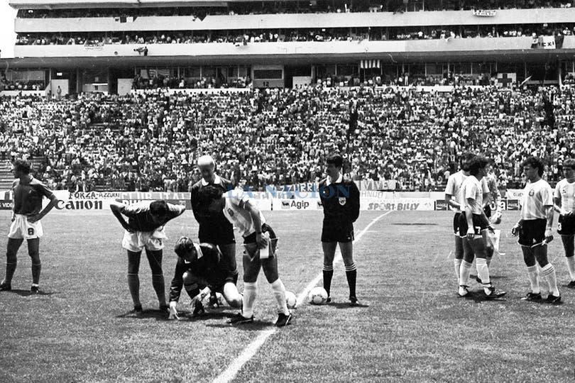 El sorteo ante los italianos. Foto: LA NACION / Antonio Montano