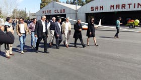 Autoridades en el Aeroclub San Martín