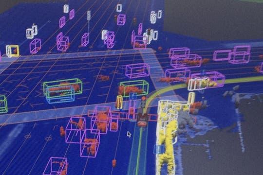 Una vista del sistema de navegación del vehículo no tripulado de Google. Foto: Reuters