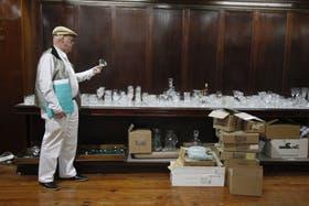 La semana pasada, el famoso Bazar Inglés Wright cerró sus puertas en la Av. de Mayo y remató su mercadería