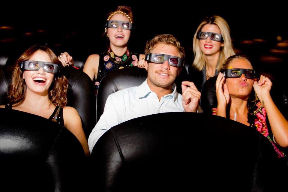 Los Teen Angels en el estreno de su película, en los cines Hoyts.