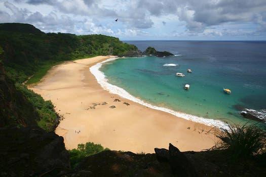 Fernando de Noronha, Brasil, está formado por 21 islas; quedó después de Mar del Plata. Foto: www.lugaresdeviaje.com