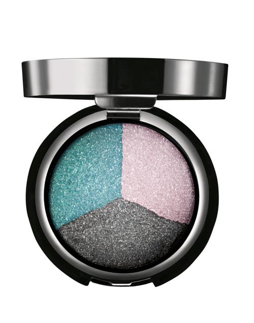 Sombra Trio alto brillo color 3 ($150, Natura).