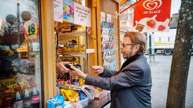 Bjorn Ulvaeus, ex miembro de Abba, compra con su teléfono