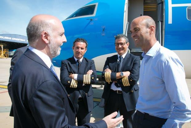 Guillermo Dietrich recibió el primer avión de la aerolínea Flyest