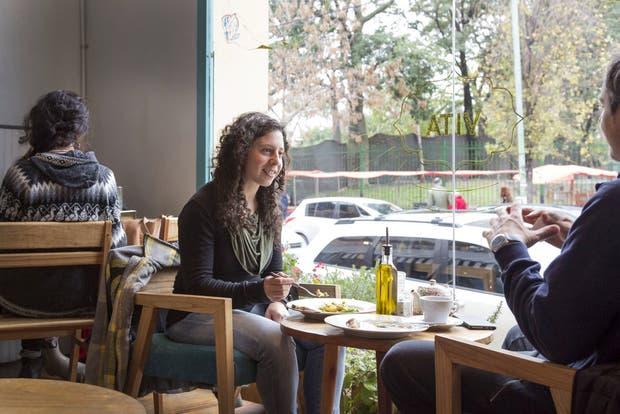 Uno de los locales de Vita, en Palermo, y Konu Bar, en San Nicolás, apenas dos de los locales de gastronomía vegana
