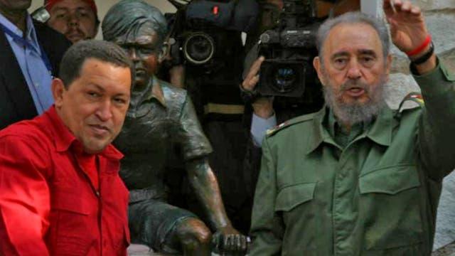 Fidel Castro y Hugo Chávez visitaron la casa del Che Guevara en Alta Gracia