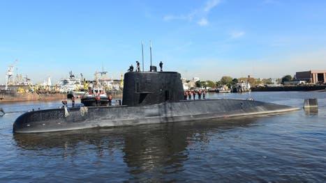 La Armada analiza si las siete llamadas salieron del submarino perdido