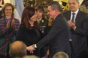 La presidenta le toma juramente a Agustín Rossi como Ministro de Defensa