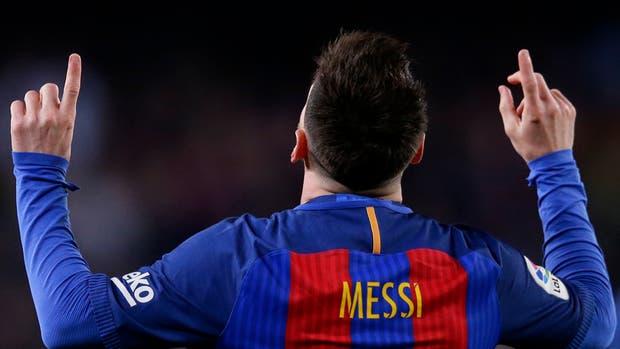 Messi celebra uno de sus goles ante Valencia del último domingo