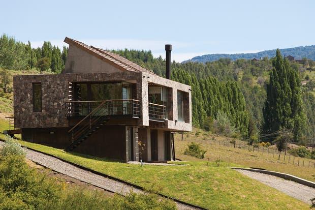 El proyecto de los arquitectos Santiago Servente y Victoria Larrazábal se despega de la vivienda tradicional patagónica..