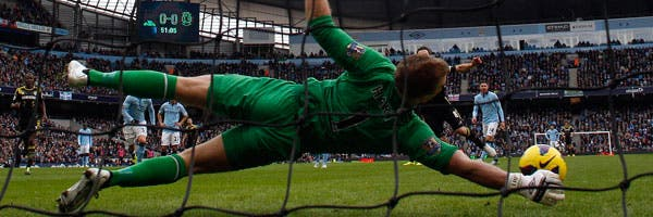 La estirada de Hart para quedarse con el penal de Lampard