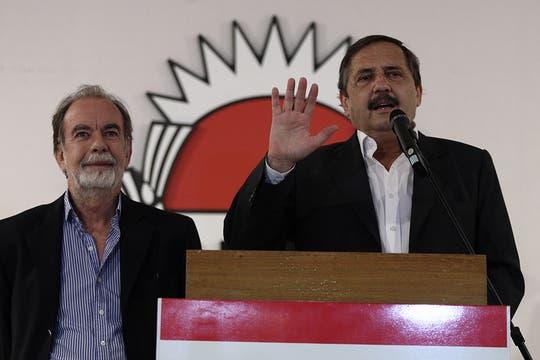 Alfonsín felicitó a Cristina y advirtió que seguirá trabajando para que se respeten las instituciones del país. Foto: LA NACION / Emiliano Lasalvia