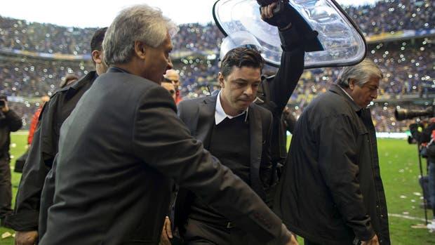 Marcelo Gallardo ingresa a la Bombonera en mayo de 2015