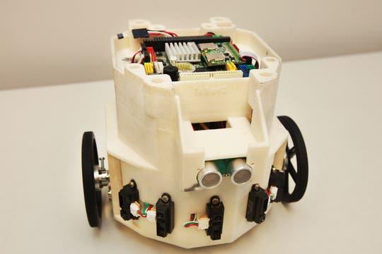 Uno de los robots desarrollados en el ITBA. Foto: LA NACION / Sebastián Rodeiro