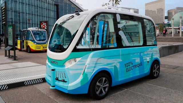 El pequeño ómnibus eléctrico y autónomo está diseñado en Francia por la firma Navya