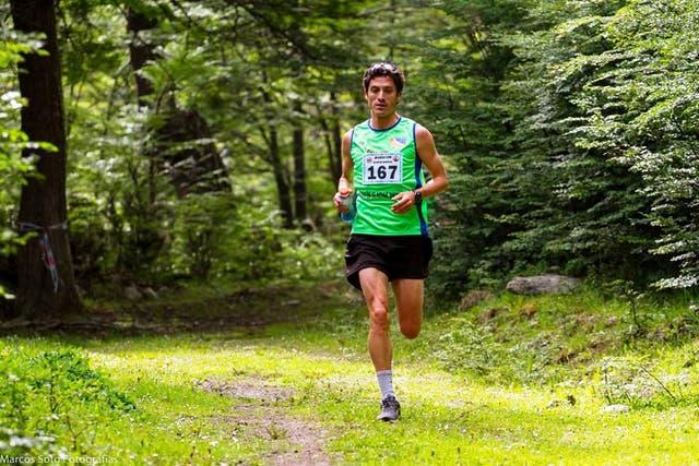 Javier Carriqueo en plena Maratón Glaciar Martial