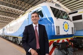 El ministro Florencio Randazzo prometió seguir mejorando la conexión entre Mar del Plata y Capital