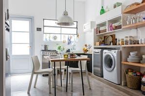 Una cocina renovada para multiplicar los espacios de guardado