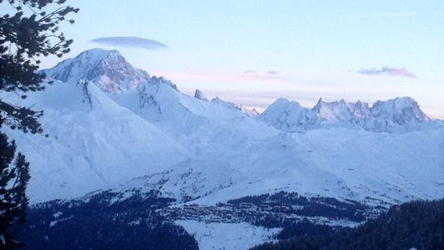 Las pistas que rodean Mont Blanc (izquierda) son un imán para los esquiadores.