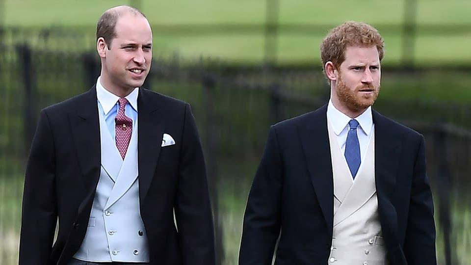 Los príncipes Guillermo y Enrique, cuñado y concuñado de la novia, asistieron a la boda. Foto: Reuters / Justin Tallis