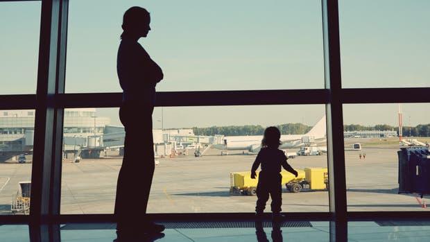 Se agilizarán los trámites de autorizaciones de viajes a menores