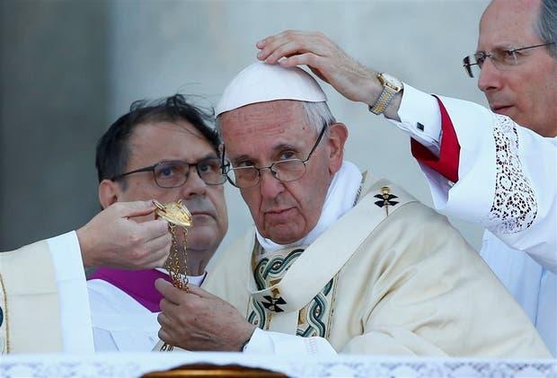 El Papa ofició misa el domingo en San Juan de Letránt