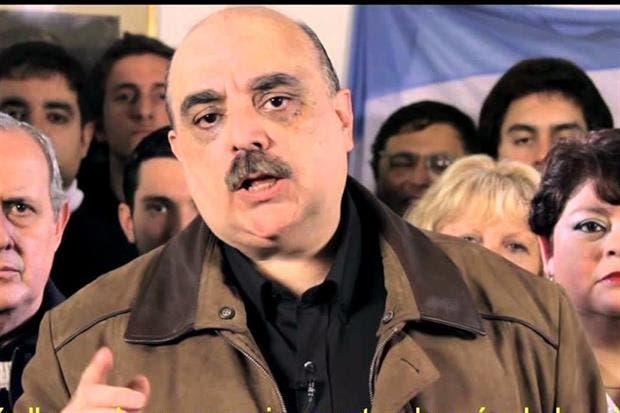El precandidato de Patriota Bandera Vecinal Alejandro Biondini