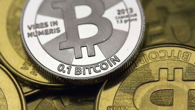 La grieta llegó a Bitcoin: por qué se dividió en dos y a cuánto cotiza la nueva moneda