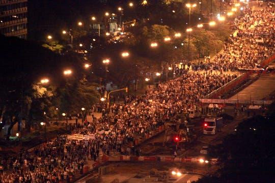 Masivas columnas de manifestantes se movilizan en distintos puntos de Buenos Aires. Foto: LA NACION / Guadalupe Aizaga