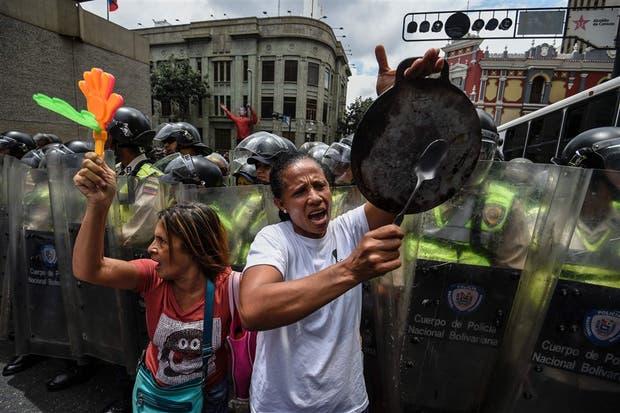 Cancilleres expresan preocupación por referéndum en Venezuela