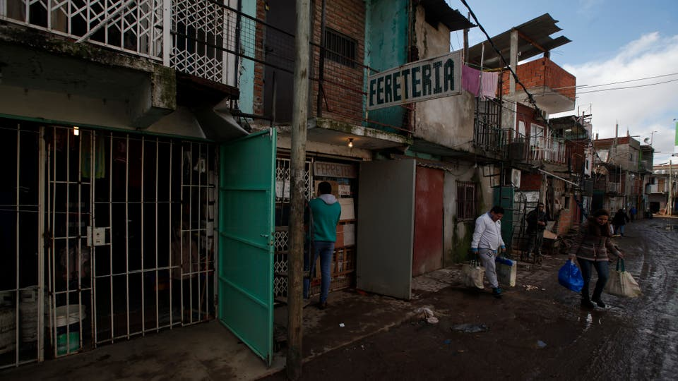 La villa 31 tiene mayoría de extranjeros, tendida de la Illia hacia el río. Foto: LA NACION / Emiliano Lasalvia