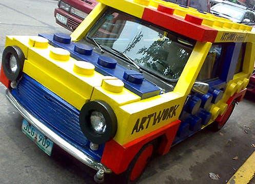 Auto fabricado con Legos: no recomendamos prestárselo al nene para jugar. Foto: http://bottomlessrhapsody.tumblr.com