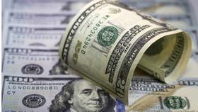 Cayó más el dólar, corrido por las tasas y el imán de las Letes