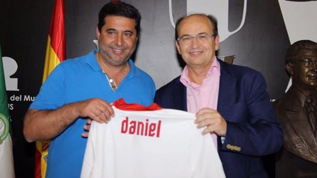 Angelici le dijo al presidente del Sevilla que van por Sampaoli